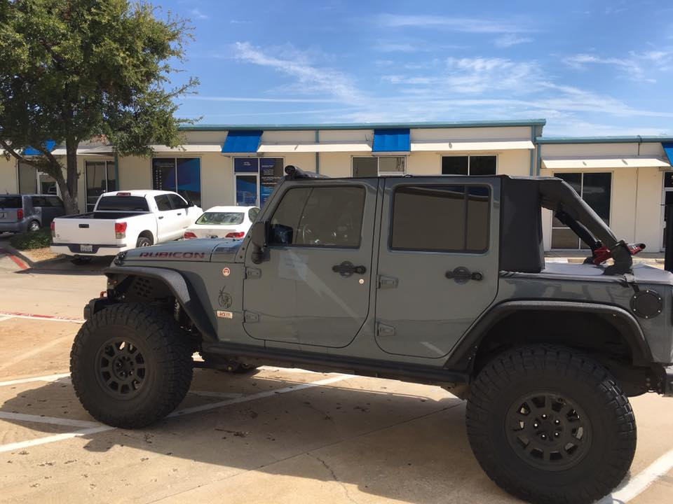 Black Window Tint On A Rubicon Synergy Tint Graphics